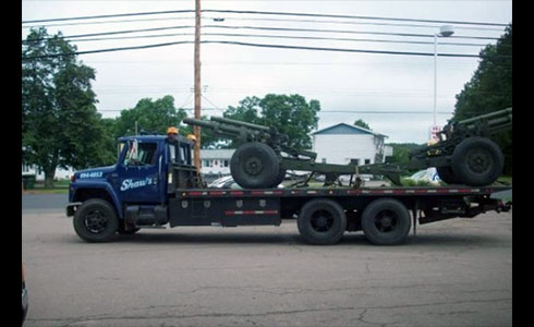 Shaw's Towing is proud to offer the following services: Towing Light and Heavy Duty, 24 Hour Service, Flat Deck Service, Boosting, Door Unlocking, Tire Changes / Roadside Assistance, MotorcyclesBaby BarnsLocal and Long DistanceWreckmaster Certified Drivers, All Major Auto Clubs, Radio Dispatched Trucks